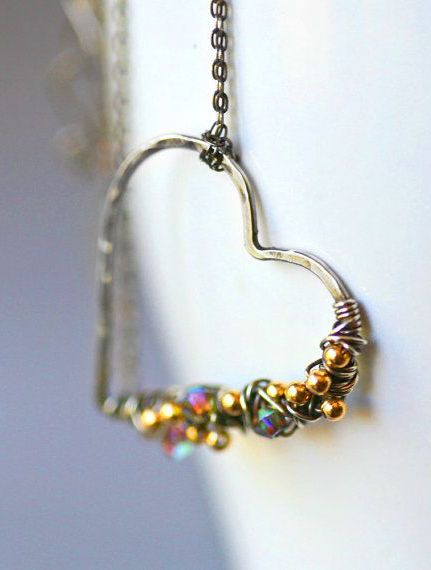 wire-heart-pendant | Middle Country Public Library